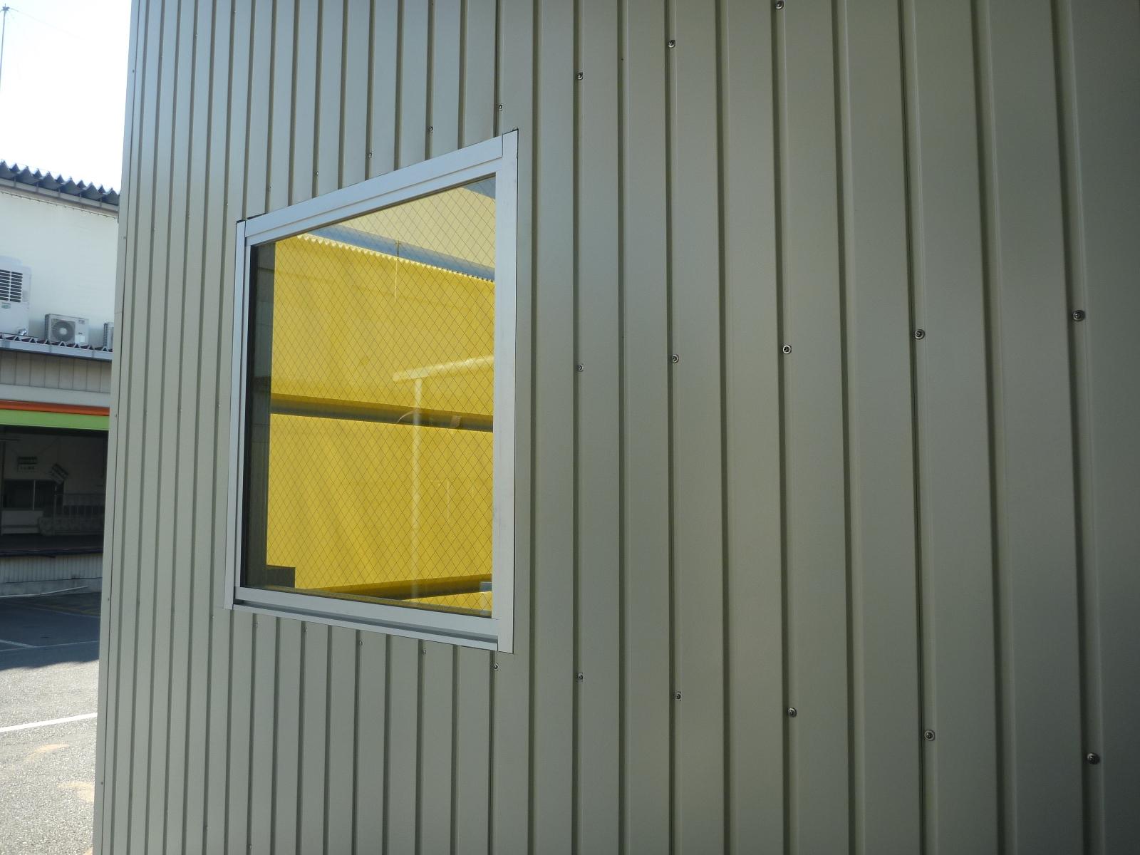 窓枠取付け
