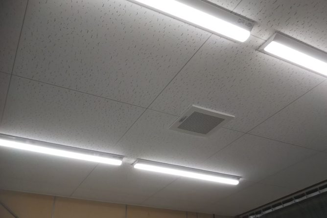 天井施工完了