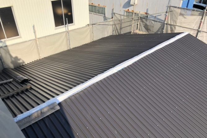 屋根GL鋼板施工