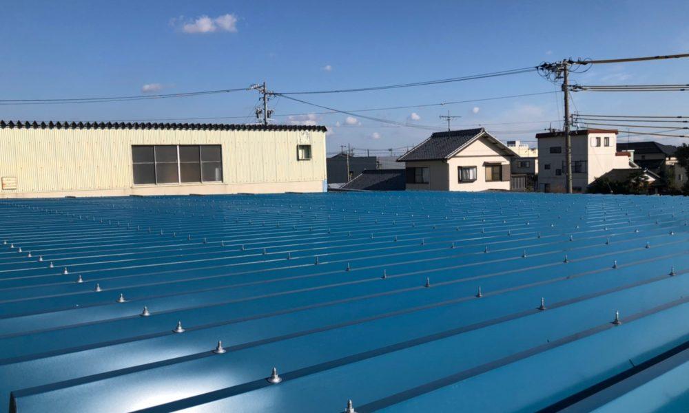 雨漏り対策 折板屋根カバー工法工事